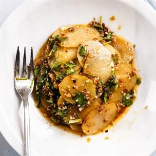 Cách làm salad khoai tây lát