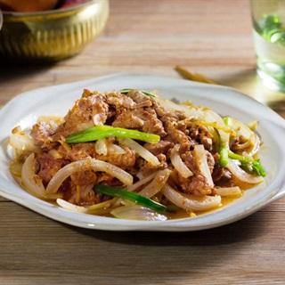 Bò xào hành tây kiểu Nhật