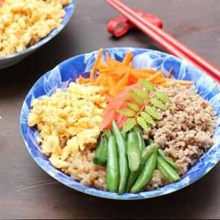 Cơm trộn kiểu Nhật