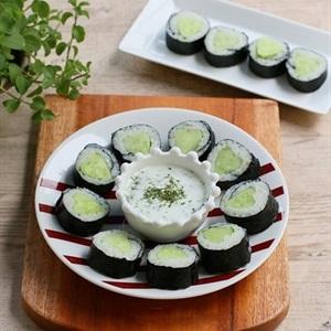 Sushi dưa leo cuốn