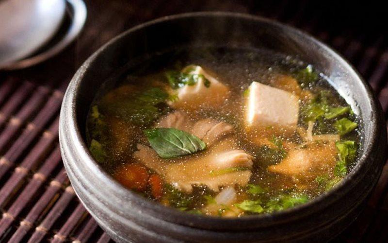 Cách làm canh đậu hũ non nấu nấm
