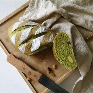 Bánh mì vị trà xanh