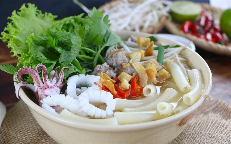 Cách Làm Nui Nấu Mực Thịt Viên Đơn Giản Mà Ngon