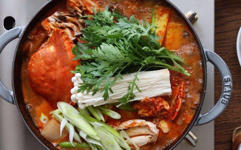 cách nấu lẩu hải sản chua cay tại nhà