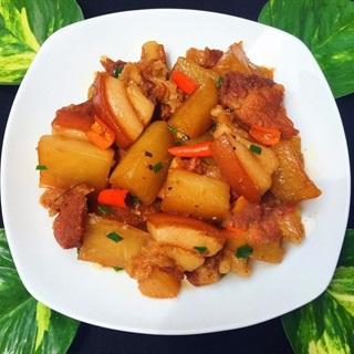Cách làm thịt om củ cải cay