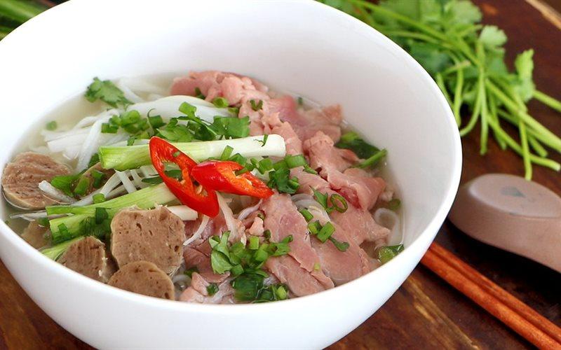 Cách nấu Phở Bò với nước dùng đậm đà chuẩn vị tại nhà