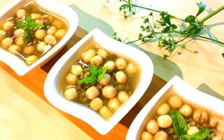Kết quả hình ảnh cho chè hạt sen đậu xanh