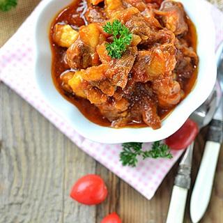 Cách làm Thịt Bò Hầm Cà Chua thơm lừng, ngon khó cưỡng