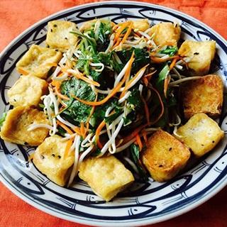 Salad đậu hũ chiên vàng