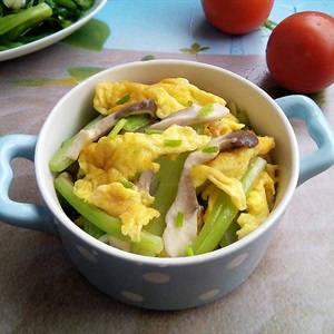 Nấm xào trứng