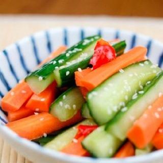 Cách làm dưa leo cà rốt muối chua cay