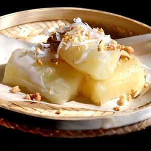 Khoai mì hấp nước cốt dừa béo bùi