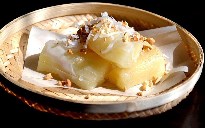 Cách làm khoai mì hấp nước cốt dừa béo bùi