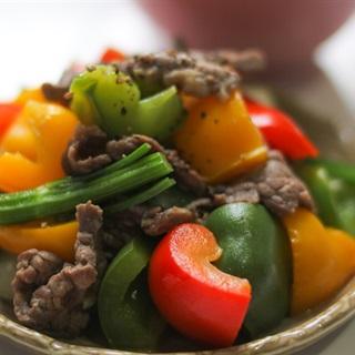 Cách làm Bò Xào Ớt Chuông bổ dưỡng đủ chất cho gia đình