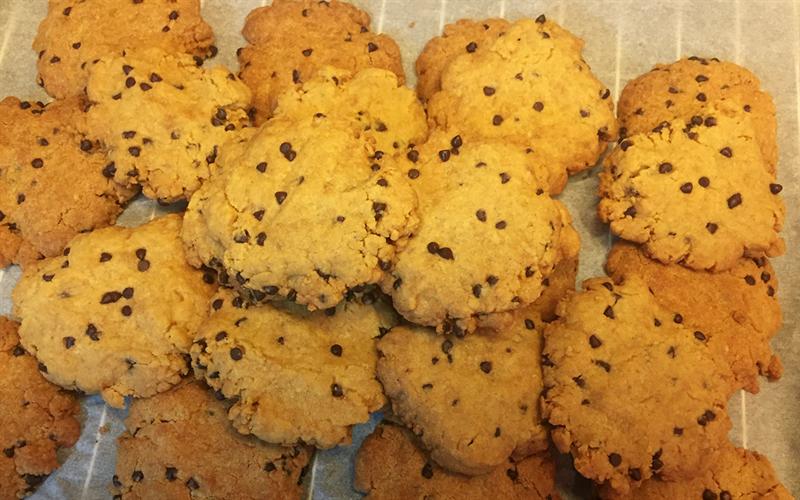 Cách làm Bánh quy Chocolate Chip Handmade giòn tan cho bé