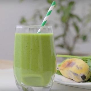 Cách làm sinh tố dừa chuối cải bó xôi