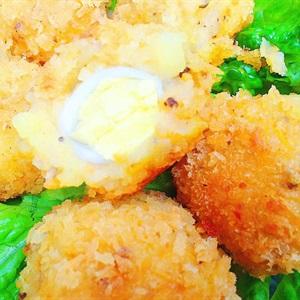 Khoai tây bọc trứng cút chiên giòn