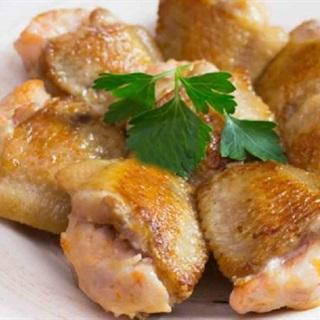 Cánh gà nhồi sò điệp tôm khô chiên