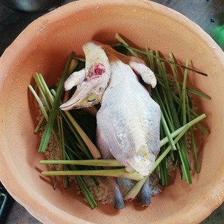 Cách làm gà nổ muối hột