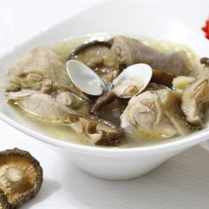 Canh thịt gà nấm hương