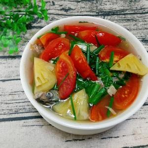 Canh cá nấu thơm cà chua