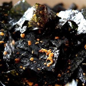 "<a href=""https://www.rongbienhanquoc.net/san-pham.html"" _fcksavedurl=""https://www.rongbienhanquoc.net/san-pham.html"">rong biển</a> cháy tỏi ớt"