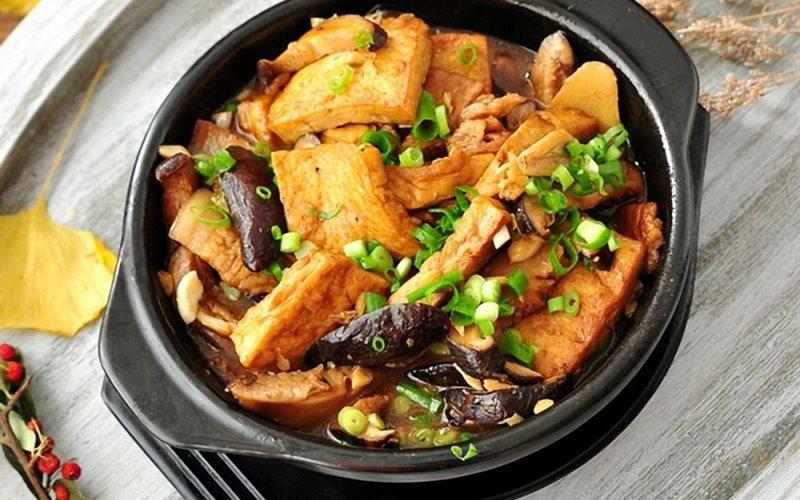 Cách làm đậu hũ kho nấm thịt