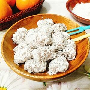 Bánh khoai môn dẻo bọc dừa