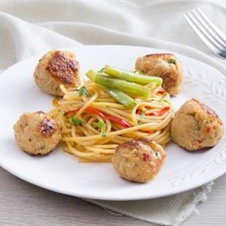 Spaghetti rau củ thịt viên