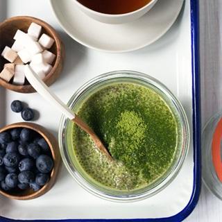 Cách làm pudding trà xanh hạt chia