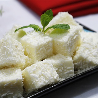 Bánh sữa phủ dừa