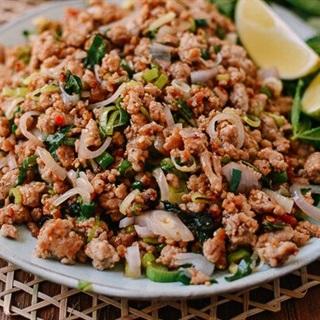 Larb Moo - Salad thịt băm Lào