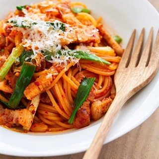 Cách làm mì Ý xào kim chi