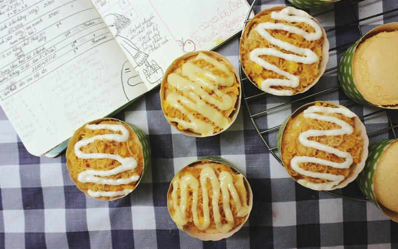 Cách Làm Bánh Bông Lan Trứng Muối Sốt Chanh Dây