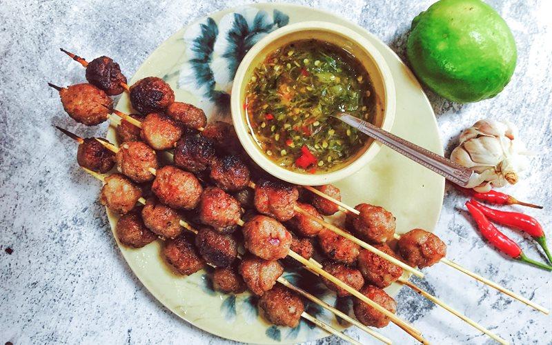 Cách làm thịt viên nướng mật ong sốt Thái tỏi ớt