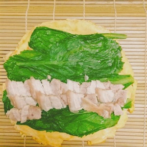 Trứng cuộn cải bẹ xanh
