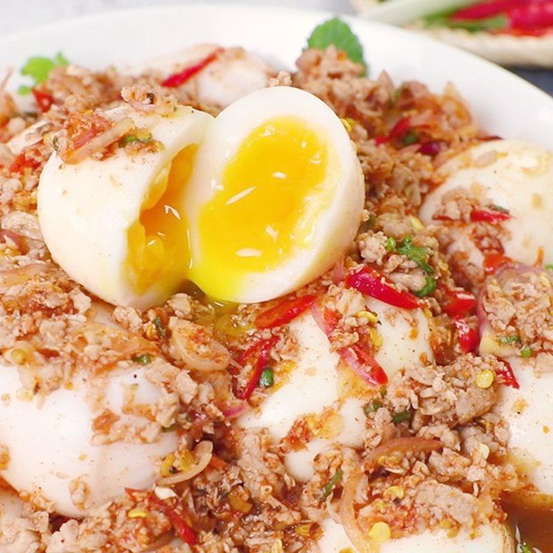 Trứng lòng đào sốt Thái