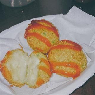 Cách làm Bánh khoai tây bọc phô mai chiên xù