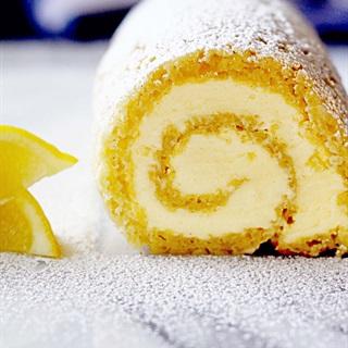 Bánh bông lan chanh mật ong cuộn