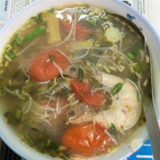 Cách làm Canh Chua ngon đậm đà hấp dẫn cho bữa ăn gia đình