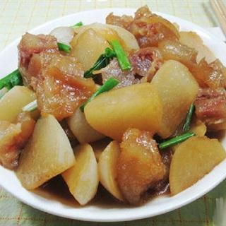 Cách làm củ cải kho gân bò giòn ngọt