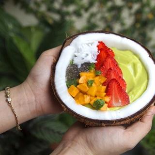 Cách làm Sinh tố bơ cốt dừa topping trái cây, hạt chia