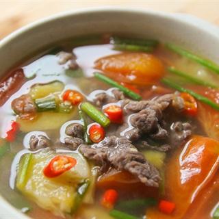 Cách làm canh thịt bò nấu thơm và cà chua