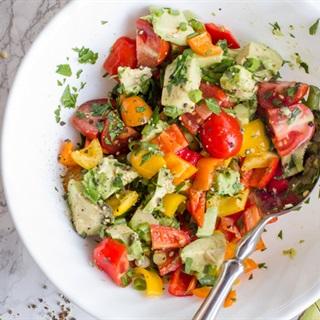 Salad bơ ớt chuông