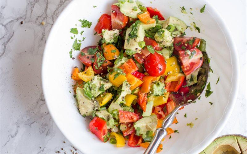 Cách làm salad bơ ớt chuông