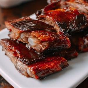 Sườn nướng nguyên tảng sốt BBQ