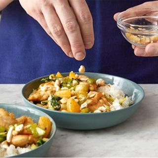Cách làm gà xào cam và rau củ