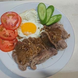 Cách làm Bò bít tết trứng gà