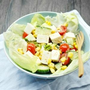 Salad đậu hũ cà chua dưa leo
