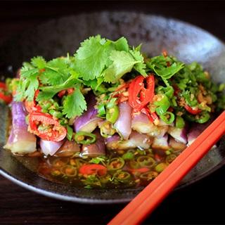 Salad cà tím cay Trung Hoa